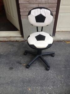 SOCCER SHAPED COMPUTER CHAIR