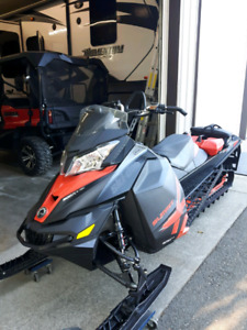 2014 ski doo summit X SOLD !!