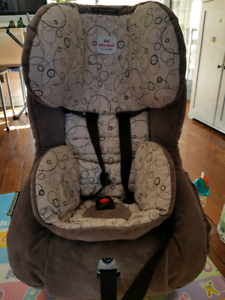 Britax safe and sound carseat