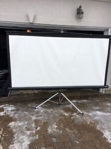 PROJECTOR SCREEN 96 INCHES WIDE!