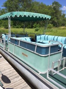 24' Smoker Craft Pontoon Boat with Full Enclosure and 45 HP