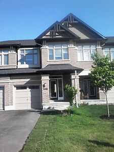 4 Bedroom Executive Townhouse in Kanata Lakes with Hot Tub