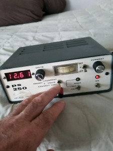 DC POWER SUPPLY VARIABLE VOLTAGE AND CURRENT