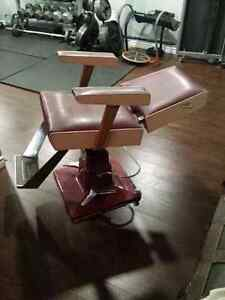 Vintage Belvedere hydraulic hair salon chair London Ontario image 3