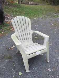 Looking for plastic chairs in good condition.  Peterborough Peterborough Area image 1