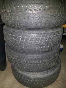 Winter tire 235 70 R 16