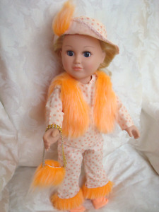 "18 ""  Girl doll, 6 piece 70's Hippy style ensemble"