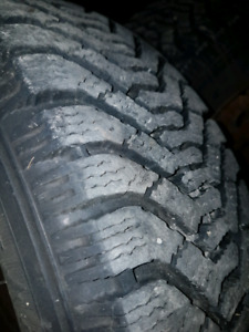 P185/65R14 Goodyear nordic winter tires set of 4 good condition.