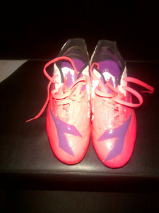 Girls Soccer Cleats-Size 4 (New)