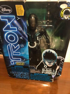 "Disney TRON Legacy 12"" Ultimate Sam Flynn Action Figure Set"