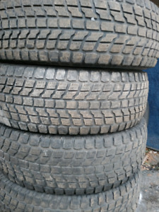 245 75 16 LT 2 tires hiver mike 438 274 1733