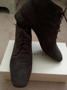Women ankle boots - suede