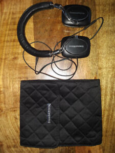 Bowers and Wilkins - B&W P5 Over Ear Headphones