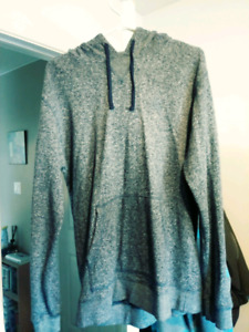 DC Sweater Mens Medium