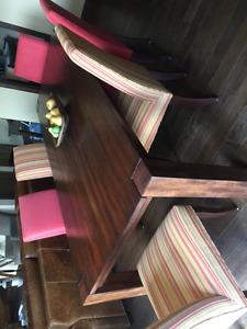 Table de salle à manger et banc