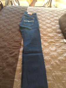 Selling a pair of authentic Nudie Jeans 31W 32L