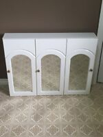 Cabinet with mirrors