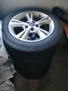2014 ford focus rims with tires