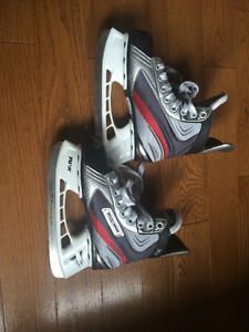 Bauer Vapor X 3.0  youth hockey skates size 1