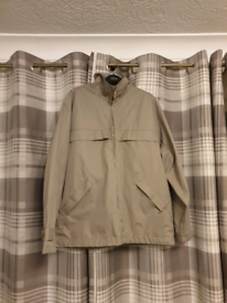 *BARGAIN* Lighg weight jacket in mint condition