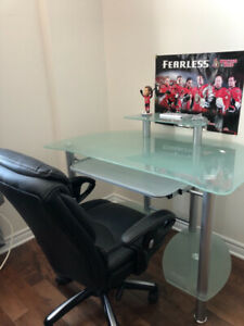 Student desk with executive leather chair