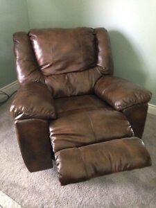 Kat knapper leather recliner