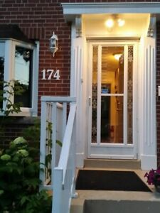 Room near Victoria park Subway 20 min to Downtown