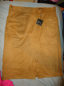 BRAND NEW FAUX SUEDE SKIRT SIZE 16