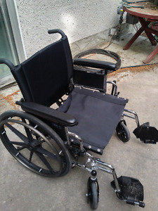 INVACARE Extra wide Heavy-duty Wheelchair