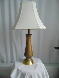 Lampe de table en laiton baisse de prix