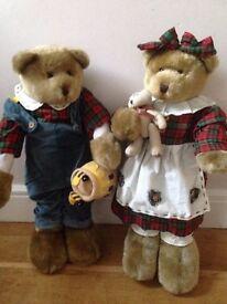Decorative standing collectable teddies