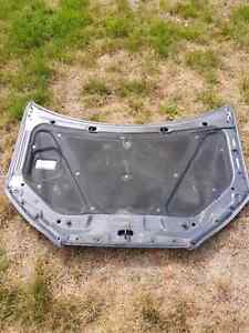 Hyundia Elantra Hood  Peterborough Peterborough Area image 2