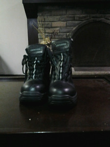 Buy used safety shoes for cheap!!! Size 10 in great condition