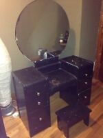 Antique girls makeup table