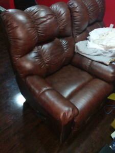 2 luxurious brown leather recliner