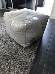 Modern  white metalic ottomon pouf