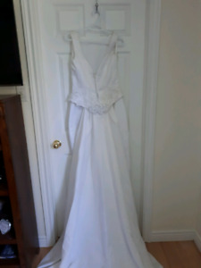 Wedding gown and vail
