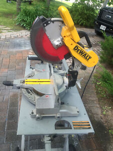 "DeWalt DW716 - 12"" Double Bevel Compound Miter Saw with stand"