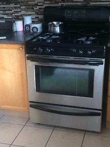 Kitchen Stove/Oven & Fan