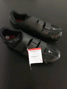 Brand New Specialized Black Road shoes size 12