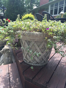 Large Planters Buy Or Sell Outdoor Decor In Ontario Kijiji Classifieds