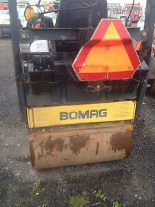 Rouleau compacteur duo BOMAG AD 100 AD3