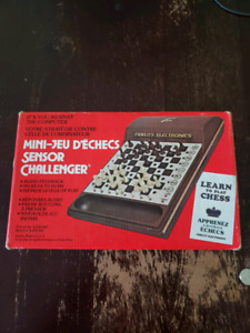 1981 vintage Fidelity electronics mini chess game works!