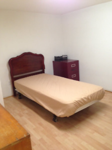 One Furnished Room for Rent in South Vancouver - May 1