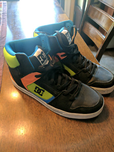 Mens Size 11 DC High top shoes