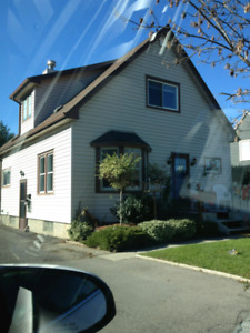 Competitive Simcoe 2 bed ALMOST A HOUSE apt
