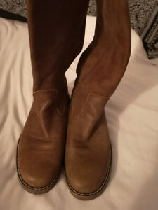 Brown Roots boots