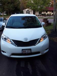 2011 Toyota Sienna Minivan, Van (New Price)