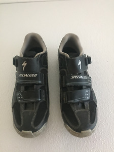 Specialized Womens SPD MTB mountain bike shoes.