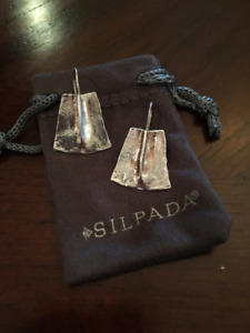 Slipada Jewelry small dangling earrings
